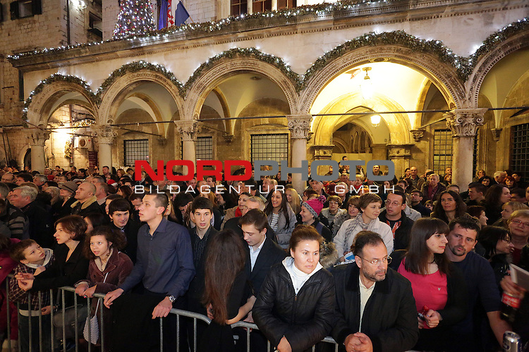 31.12.2013., Dubrovnik - New Year celebrations .Many citizens gathered at Stradun to celebrate  New Year<br /> Photo: Grgo Jelavic/PIXSELL