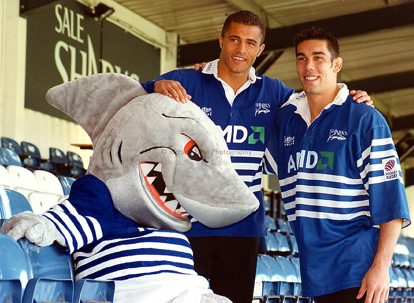 Jason Robinson Press Conference_171000_Mike Bret.Jason Robinson has signed for Sale Sharks R.F.C.Captain Alex Sanderson introduces Jason to Sharky.