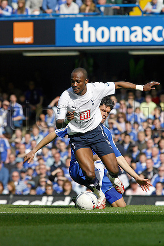 11 March 2007: Spurs midfielder Didier Zokora with the ball during the FA Cup Quarter-Final game between Chelsea and Tottenham Hotspur, played at Stamford Bridge. The game ended 3-3. Photo: Actionplus....070311 football soccer player spurs