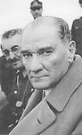 Der t&uuml;rkische Politiker und erster Pr&auml;sident der Republik T&uuml;rkei Mustafa Kemal Atat&uuml;rk. Um 1936. Photographie.<br /> <br /> - 01.01.1936-30.12.1936<br /> <br /> Es obliegt dem Nutzer zu pr&uuml;fen, ob Rechte Dritter an den Bildinhalten der beabsichtigten Nutzung des Bildmaterials entgegen stehen.