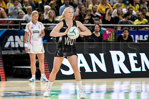 09.10.2016. Qudos Bank Arena, Sydney, Australia. Constellation Cup Netball. Australia Diamonds versus New Zealand Silver Ferns. New Zealands Laura Langman passes rthe ball forward. The Diamonds won the game 68-56.