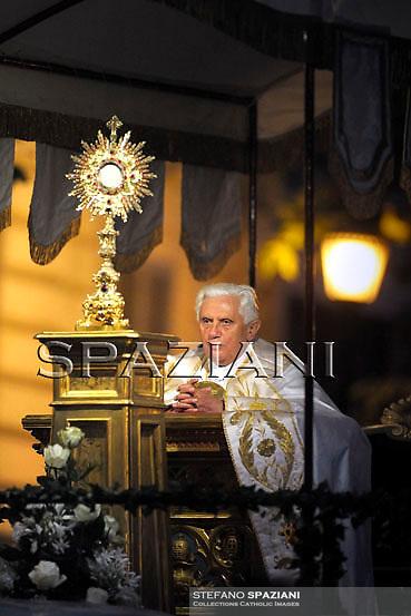Pope Benedict XVI  during a Corpus Domini procession between the basilicas San Giovanni in Laterano and Santa Maria Maggiore on June 11, 2009 in Rome