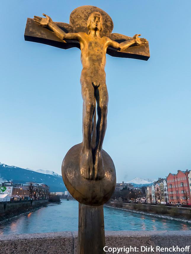 Kruzifix auf der Innbrücke, Innsbruck, Tirol, Österreich