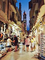 Greece, Corfu, Corfu-Town (Kerkyra): Night shot along shopping street and Church of Saint Spyridon | Griechenland, Korfu, Korfu-Stadt (Kerkyra): abendlicher Bummel durch die Gassen mit ihren Souvenirlaeden bei der Kirche St. Spyridon (Spiridon)