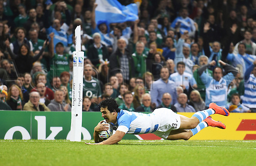 18.10.2015. Millennium Stadium, Cardiff, Wales.  Argentina centre Matias Moroni scores an early try during the Ireland versus  Argentina Quarter Final 2 Rugby World Cup 2015 match.