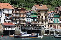 Europe/Espagne/Pays Basque/ Pasajes de San Juan:  les maisons  sur le port de pêche