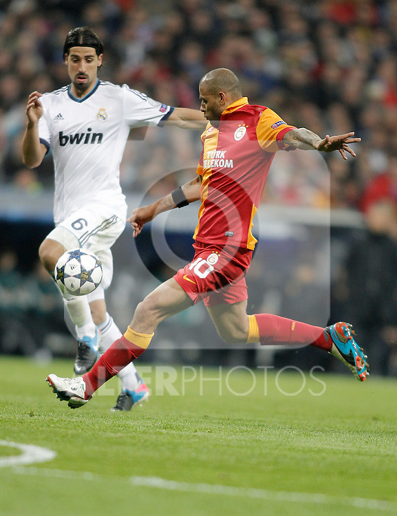 Real Madrid's Sami Khedira against Galatasaray's Felipe Melo reacts during UEFA Champions League match. April 03, 2013. (ALTERPHOTOS/Alvaro Hernandez)