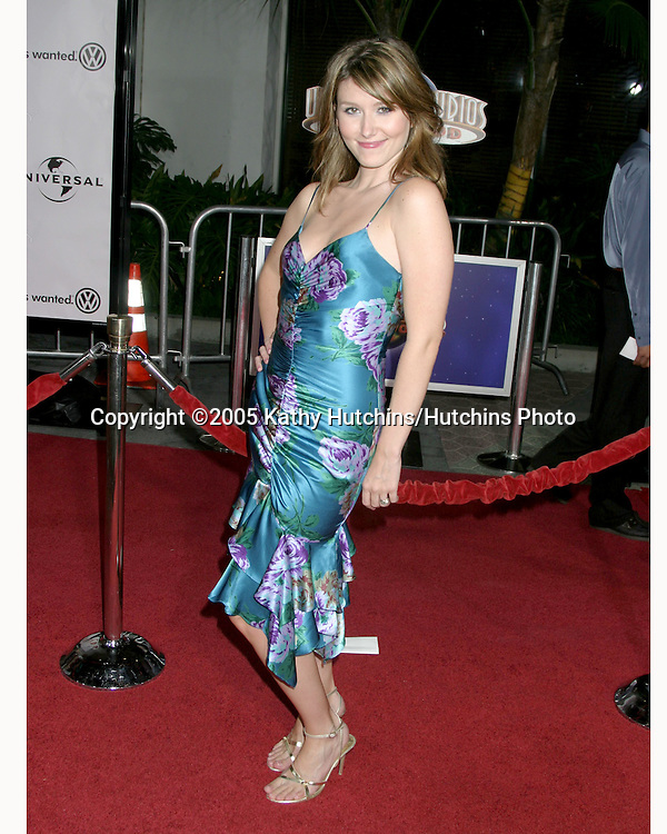 Jewel Staite.Serenity Premiere.City Walk.Universal City, CA.September 22, 2005.©2005 Kathy Hutchins / Hutchins Photo