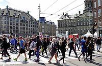 Nederland - Amsterdam - 2019.  Damrak en de Dam in Amsterdam.   Foto Berlinda van Dam / Hollandse Hoogte