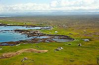 Móakot 2, Nýibær, Áslaksstaðir, ( Sjónarhóll ? ) Minna-Knarrarnes og Stóra-Knarrarnes, Vatnsleysuströnd séð til austurs. Sveitarfélagið Vogar áður Vatnsleysustrandarhreppur  /   Moakot 2, Nyibaer, Aslaksstadir, ( Sjonarholl ? ) Minna-Knarrarnes and Stora-Knarrarnes, holiday homes on Vatnsleysustrond - viewing east, Sveitarfelagid Vogar former Vatnsleysustrandarhreppur.