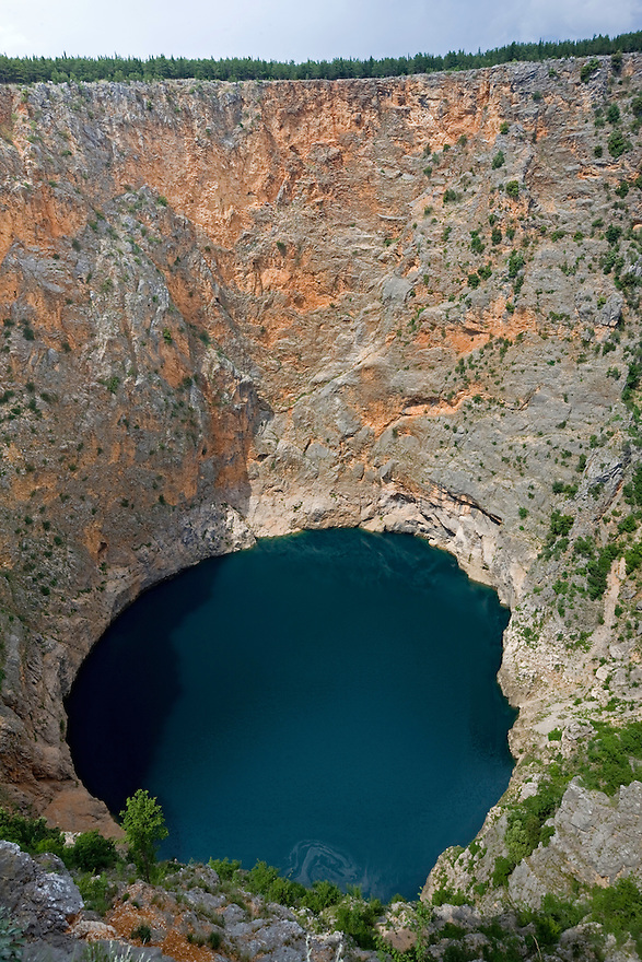 Crveno Jezero (Red Lake), near Imotski town. The formation is debated, but probably could be the remain of a collapsed doline. Dinarides mountains (Dinaric &quot;Alps&quot;), Dalmatia region, Croatia, close to the Bosnia-Herzegovina border. May 2009.<br /> Mission: Bosnia-Herzegovina / Croatia<br /> Elio della Ferrera / Wild Wonders of Europe