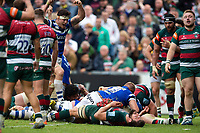 Jacques van Rooyen of Bath Rugby crosses the try-line for the match-winning score. Gallagher Premiership match, between Leicester Tigers and Bath Rugby on May 18, 2019 at Welford Road in Leicester, England. Photo by: Patrick Khachfe / Onside Images