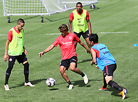 Chico Geraldes (Eintracht Frankfurt) gegen Mijat Gacinovic (Eintracht Frankfurt), Makoto Hasebe (Eintracht Frankfurt), Sebastien Haller (Eintracht Frankfurt) - 08.08.2018: Eintracht Frankfurt Training, Commerzbank Arena<br /> <br /> DISCLAIMER: <br /> DFL regulations prohibit any use of photographs as image sequences and/or quasi-video.
