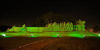SAO PAULO, SP, 19.03.2016 - HORA DO PLANETA: As luzes que iluminam o Monumento as Bandeiras em São Paulo se apagaram a partir das 20:30 deste sabado, 19, para participar da Hora do Planeta. (Foto: Levi Bianco/Brazil Photo Press)