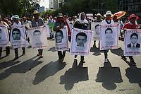 M&eacute;xico DF 26/Julio/2015.<br /> A diez meses de la desaparici&oacute;n forzada de los 43 j&oacute;venes estudiantes de la Escuela Normal Rural &ldquo;Ra&uacute;l Isidro Burgos&rdquo; de Ayotzinapa Guerrero. Se realiz&oacute; una marcha desde el &Aacute;ngel de la Independencia hasta el Hemiciclo a Ju&aacute;rez.<br /> Cabe mencionar que durante el recorrido de dicha marcha hubo una representaci&oacute;n de padres de los j&oacute;venes desaparecidos, dicha marcha culmino en el Hemiciclo a Ju&aacute;rez, sobre Av. Ju&aacute;rez donde padres realizaron un mitin, y externaron nuevamente su inconformidad a las autoridades que no han podido esclarecer el paradero de sus hijos. Adem&aacute;s mencionaron que como padres de familia y los estudiantes de Ayotzinapa exigen al Estado Mexicano que reabra las investigaciones cerradas en la v&iacute;a de los hechos, que redise&ntilde;e y lance un plan de b&uacute;squeda y de atenci&oacute;n m&eacute;dica de calidad a los estudiantes heridos el pasado 26 y 27 de Septiembre del 2014. <br /> Todos los derechos reservados.