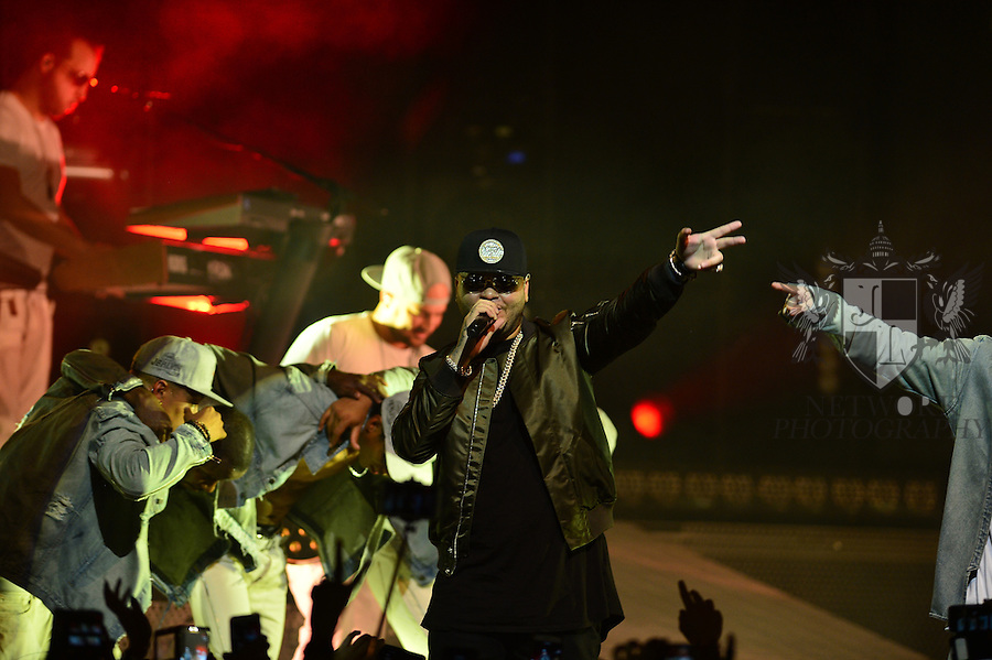 MIAMI, FL - SEPTEMBER 23: Farruko performs onstage with J Balvin during ' La Familia' tour at James L Knight Center on Wednesday September 23, 2015 in Miami, Florida. ( Photo by Johnny Louis / jlnphotography.com )