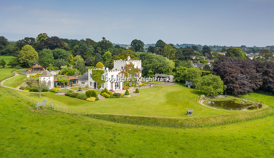 BNPS.co.uk (01202 558833)<br /> Pic: KnightFrank/BNPS<br /> <br /> A breathtaking waterfront mansion that was once home to Sir Francis Drake has emerged for sale for £5m.<br /> <br /> Belvedere in Exmouth, Devon, is nestled on the banks of the River Exe and was historically part of the Nutwell Estate.<br /> <br /> Nutwell was the Drake family home and passed through the generations before falling into the hands of the explorer in the 16th century.