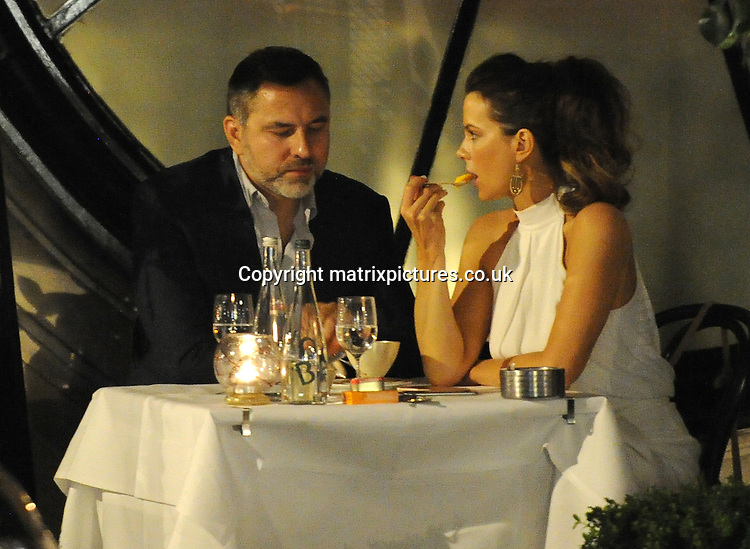 NON EXCLUSIVE PICTURE: MATRIXPICTURES.CO.UK<br /> PLEASE CREDIT ALL USES<br /> <br /> WORLD RIGHTS<br /> <br /> English actress Kate Beckinsale and English comedian, actor, author, presenter, television presenter and activist David Walliams enjoy a meal out together at Scott's of Mayfair in London.<br /> <br /> JULY 22nd 2016<br /> <br /> REF: LTN 162411