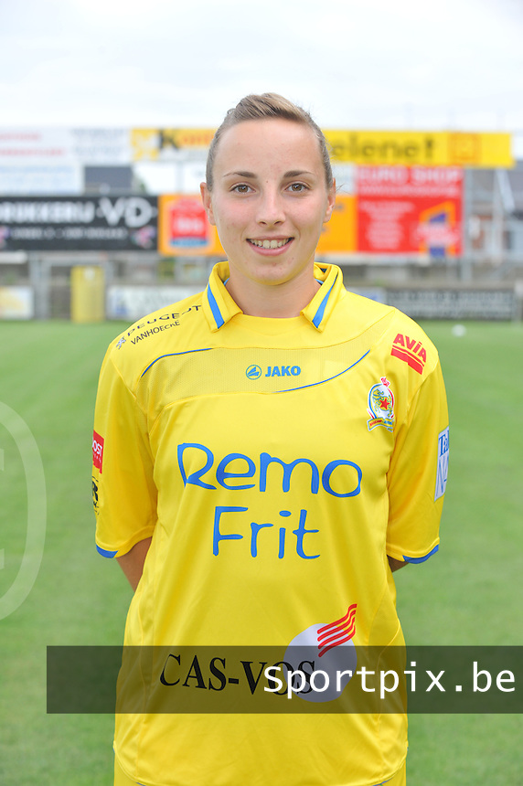 Waasland Beveren - Sinaai Girls : Lim de Vetter.foto DAVID CATRY / Vrouwenteam.be / LOFT6.be
