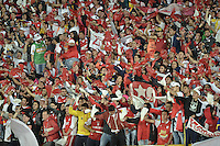 BOGOTÁ-COLOMBIA-20-05-2015. Hinchas de Independiente Santa Fe animan a su equipo durante partido de ida entre Independiente Santa Fe de Colombia y Internacional de Porto Alegre, Brasil, por cuartos de final de la Copa Bridgestone Libertadores 2015 jugado en el estadio Nemesio Camacho El Campin de la ciudad de Bogota. / Fans of Independiente Santa Fe cheer for their team during the first leg match between Independiente Santa Fe of Colombia and Internacional of Porto Alegre, Brazil, for the final quarters of the Copa Bridgestone Libertadores 2015 played at Nemesio Camacho El Campin stadium in Bogota .  Photo: VizzorImage/ Gabriel Aponte /Staff