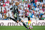 Nauzet Perez of Osasuna in action during the La Liga match between Real Madrid and Osasuna at the Santiago Bernabeu Stadium on 10 September 2016 in Madrid, Spain. Photo by Diego Gonzalez Souto / Power Sport Images