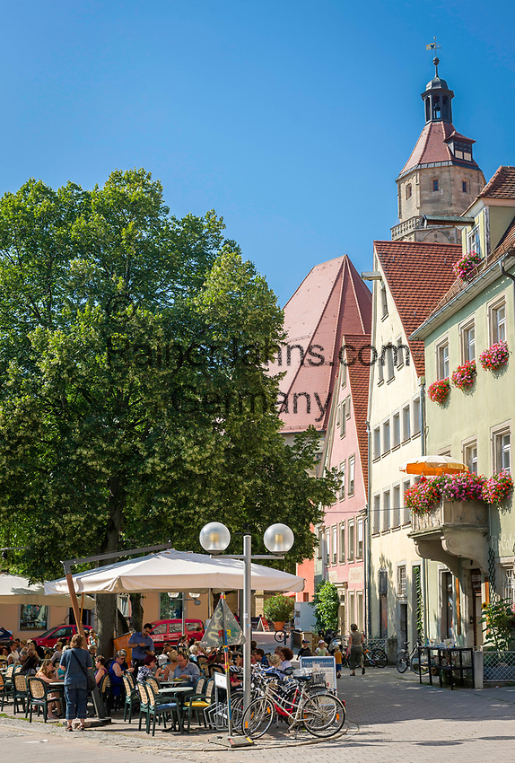 Deutschland, Bayern, Mittelfranken, Naturpark Altmuehltal, Weissenburg in Bayern: Platz am Hof, Spitalkirche zum Heiligen Geist | Germany, Bavaria, Middle Franconia, Nature Park Altmuehl Valley, Weissenburg in Bayern: Am Hof Square and hospital church hHoly Spirit