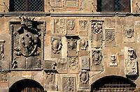 Italien, Toskana, Arezzo, Wappen an Palazzo Pretorio