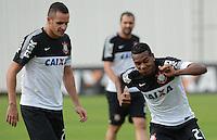 SÃO PAULO,SP, 27 Junho 2013 -  Edenilson  durante treino do Corinthians no CT Joaquim Grava na zona leste de Sao Paulo, onde o time se prepara  para para enfrenta o Sao Paulo pelas finais da Recopa . FOTO ALAN MORICI - BRAZIL FOTO PRESS