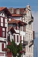 Europe/France/Aquitaine/64/Pyrénées-Atlantiques/Pays-Basque/Ciboure:  Maisons du Quai Maurice Ravel et Maison natale de Ravel