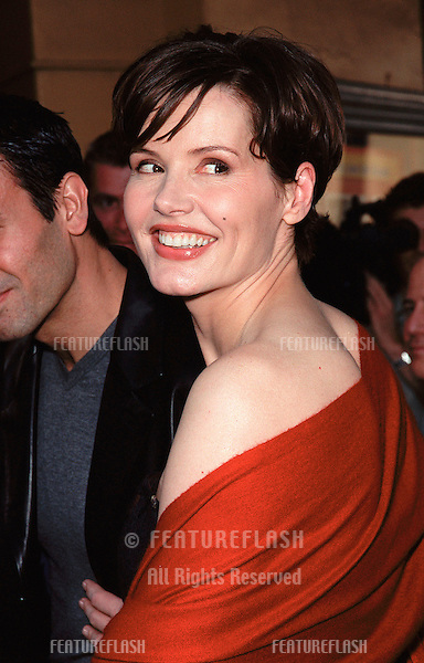 "05DEC99: Actress GEENA DAVIS at the world premiere of her new movie ""Stuart Little"" in which she stars with Johnathan Lipnicki..© Paul Smith / Featureflash"