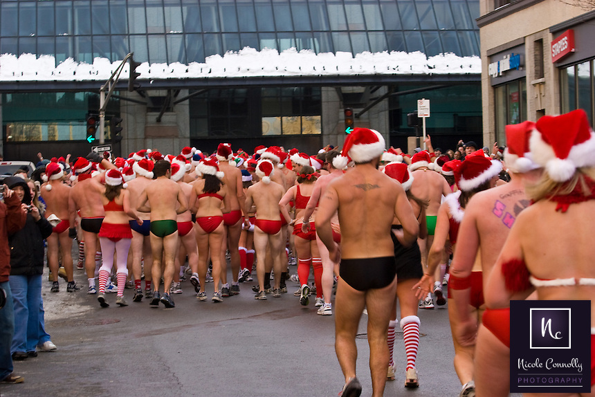 Santa Speedo Run 2007 annual event. Meeting in Lir bar on Commonwealth Ave. opposit the Hynes Convention Center. 100s of people dressed in just speedos or bikinis run up Commonwealth Ave. and down Newbury St. Weather conditions where -11 C. Official website www.santaspeedorun.com