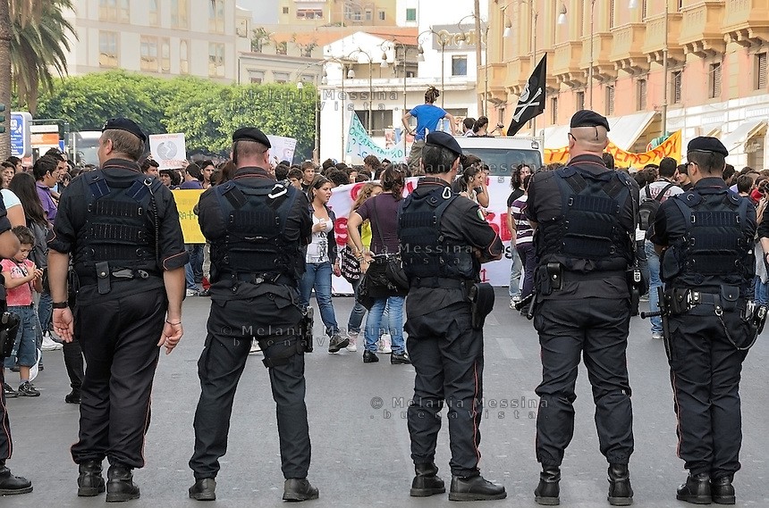 Palermo,students protest against the reform of public school.<br /> Palermo corteo studentesco di protesta contro la riforma Gelmini.