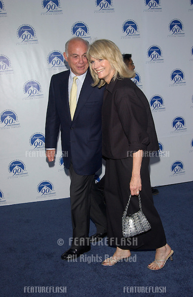 Actress CANDICE BERGEN & date at the Paramount Pictures 90th Anniversary Gala at Paramount Studios, Hollywood..14JUL2002.  © Paul Smith / Featureflash