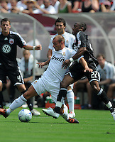 Real Madrid defender Wesley Sneijder (10) versus DC United midfielder Rodney Wallace (22). Real Madrid defeated DC United 3-0 at FedEx Field, Sunday August 9, 2009 in an International Friendly.