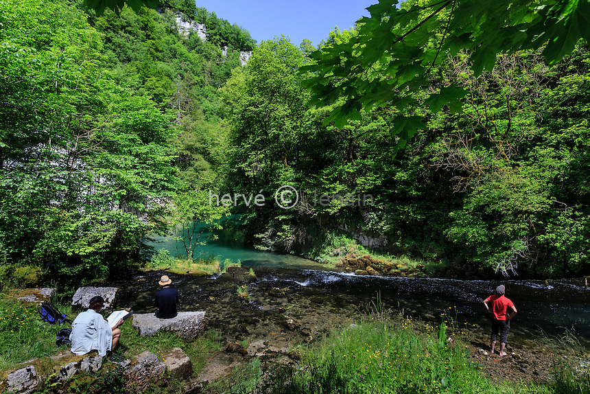 France, Doubs (25), Ouhans, la loue proche de sa source // France, Doubs, Ouhans, the Loue river close to the source