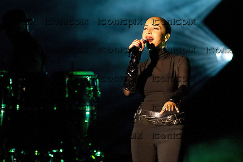Sade performing live at the Palais Omnisports de Bercy in Paris France - 17 May 2011.  Photo: © Dominique Secret/Dalle/IconicPix