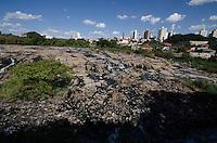 Piracicaba,SP - 04.02.14 - Rio Piracicaba - A maior seca dos últimos 97 anos atinge a região de Piracicaba, interior Paulista. O rio conhecido por suas cheias e visto nesta terca-feira, 04.( Foto: Mauricio Bento / BrazilPhotoPress )