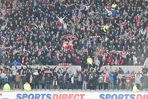21.12.2014.  Newcastle, England. Premier League. Newcastle United versus Sunderland. Sunderland fans celebrate their goal