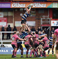 Tom Ellis of Bath Rugby wins the ball at a lineout. Anglo-Welsh Cup Final, between Bath Rugby and Exeter Chiefs on March 30, 2018 at Kingsholm Stadium in Gloucester, England. Photo by: Patrick Khachfe / Onside Images