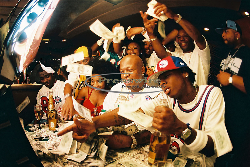 """New Orleans, Louisiana - May 8, 2002:  The Cash Money Records """"Big Tymers"""" shooting their video """"Oh Yeah"""" on Lake Poncthartrain.  Photo credit: Elgin Edmonds / Presswire News"""