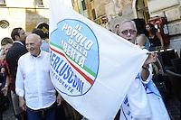 Roma , 19 Luglio 2012.Piazza del Pantheon.Il Popolo della Libertà inizia la campagna per chiedere l'elezione diretta del Presidente della Repubblica