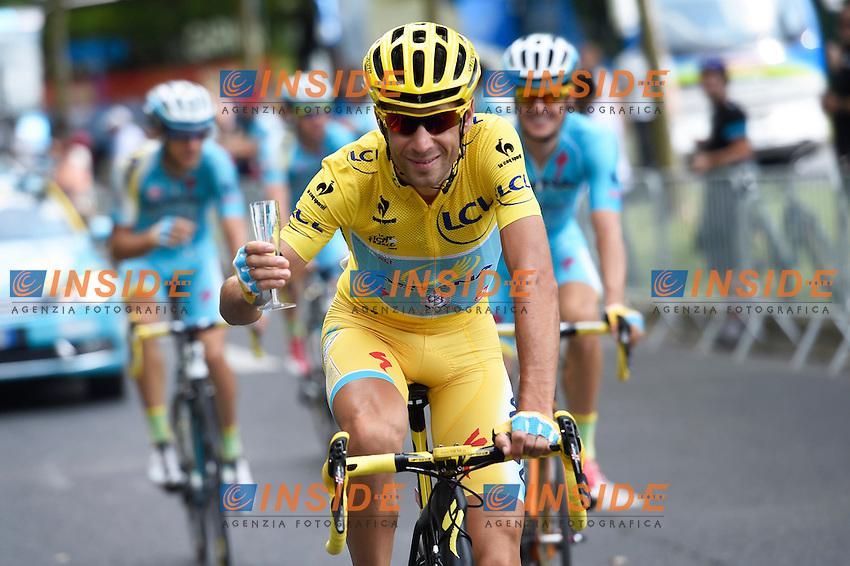 NIBALI Vincenzo ITA of Astana Pro Team <br /> maillot jaune<br /> champagne <br /> Vincenzo Nibali maglia Gialla vince il Tour de France <br /> Ciclismo Tour de France 27-07-2014<br /> 21ma Tappa - Evry / Paris Champs Elysees <br /> Foto Insidefoto