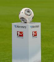 Fussball  1. Bundesliga  Saison 2013/2014   1. SPIELTAG FC Bayern Muenchen - Borussia Moenchengladbach       09.08.2013 Offizieller DFL Spielball von Adidas
