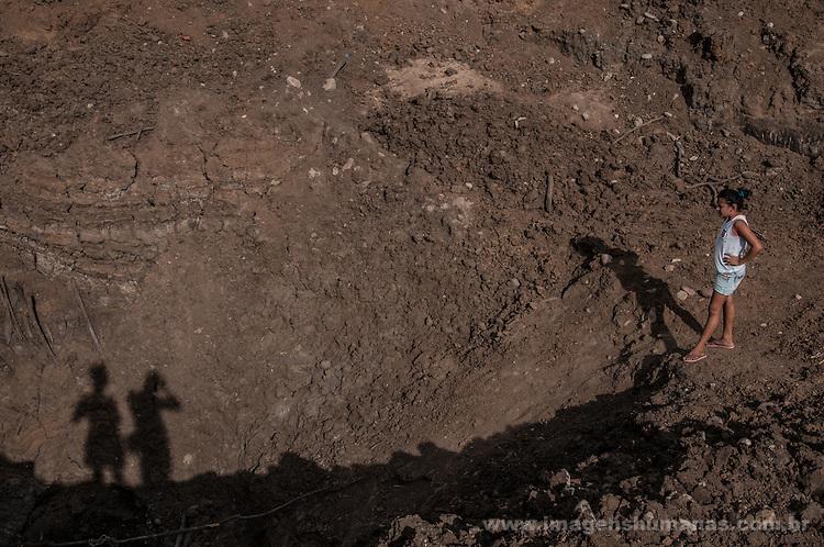 Barreiro seco na comunidade de Roça Velha, município de Floresta, Pernambuco, Brasil.
