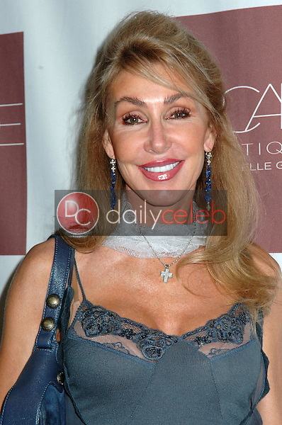 Linda Thompson<br />