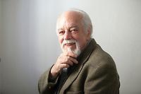 """Il recente romanzo di Gianfranco Calligarich disegna una saga di tre generazioni di Crusich: nomi, questi, che rivelano l'ibridismo imperiale austroungarico con quella finale in """"ich"""" che germanizza, accomunandoli, nomi veneti (Calligari) e slavi (Crusic). Monforte d'Alba, 14 ottobre 2017. Finalista del Premio Bottari Lattes Grinzane. © Leonardo Cendamo"""