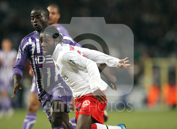 Guy Makanda Luyindula in action for PSG as Toulouse beat Paris Saint Germain 1-0 at Stade Municipal, Toulouse, France, 18th October 2009.