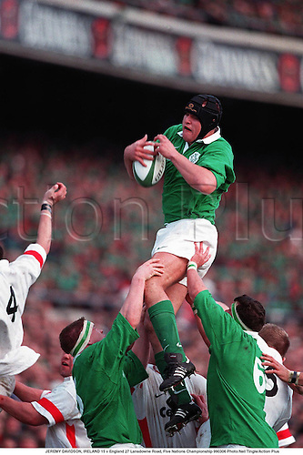 JEREMY DAVIDSON wins line-out ball, IRELAND 15 v England 27 Lansdowne Road, Five Nations Championship 990306 Photo:Neil Tingle/Action Plus...1999.Rugby Union.Headguard.line out outs line-out line-outs lineout lineouts