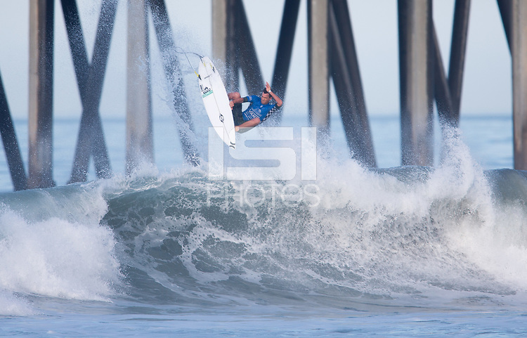 Huntington Beach, CA - Thursday August 03, 2017: Brett Simpson during a World Surf League (WSL) Qualifying Series (QS) second round heat in the 2017 Vans US Open of Surfing on the South side of the Huntington Beach pier.