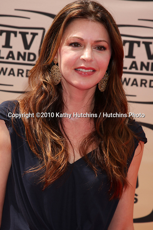 Jane Leeves .arrives at the 2010 TV Land Awards.Sony Studios.Culver City, CA.April 17, 2010.©2010 Kathy Hutchins / Hutchins Photo...